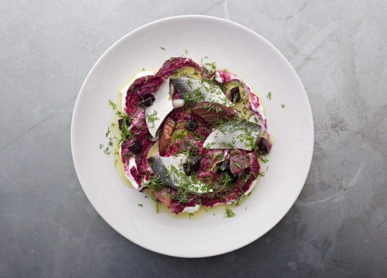 Pickled herring, beetroot, yoghurt & dill