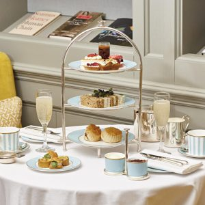 The Kensington: Art and Afternoon Tea