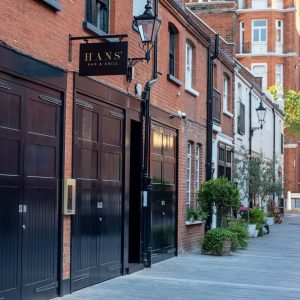 Hans' Bar & Grill Opens in Chelsea