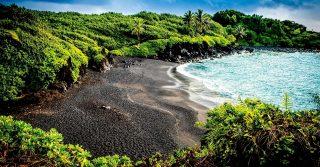 Wai'anapanapa Black Sand Beach - Maui, Hawaii