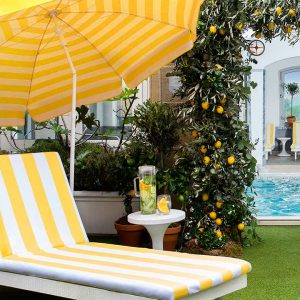 La Dolce Vita Makes A Splash At This Rooftop Pool